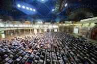 Makmum Lupa Membaca Al-Fatihah di Belakang Imam, Apakah MengulangiRaka'at?